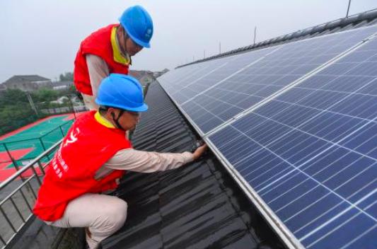 對岸加快屋頂安裝太陽能光電,大陸國家能源局擬全面推動試點工作,其中,縣市黨政機關...