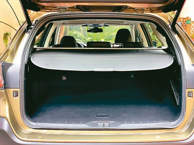 行李箱加大且配置高科技免觸控電動尾門,受到戶外休閒族群青睞。圖/陳志光