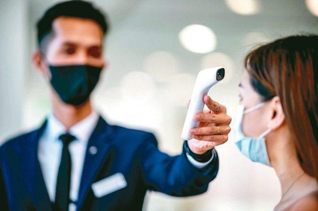 BMW全台展示與服務中心完整落實政府防疫措施,以最嚴謹的態度與消費者一同抗疫。圖...