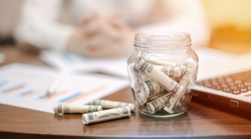 扣抵稅額及利息是指被繼承人死亡前2年內贈與特定的人時,已納贈與稅、土增稅及其利息...