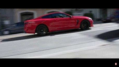 影/BMW再度現身《尚氣與十環傳奇》 終於輪到M8來耍帥了!