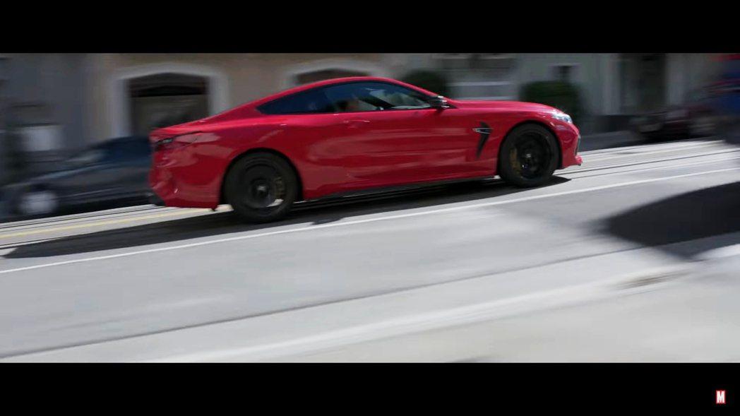 在《尚氣與十環傳奇》最新預告片中,BMW M8畫面出場時間不僅變多,還成了耍帥擔...