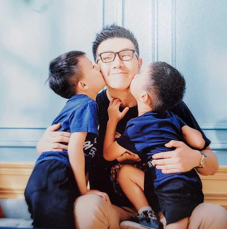 蔣偉文與兒子。圖/翻攝自蔣偉文臉書