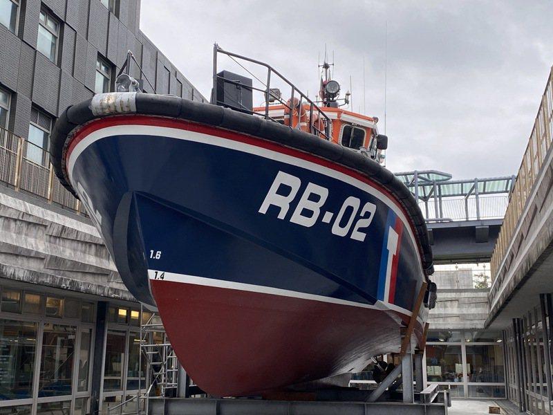 現陳展於海科館的RB02救難艇,民眾有機會到海科館實地參觀。圖/海科館提供