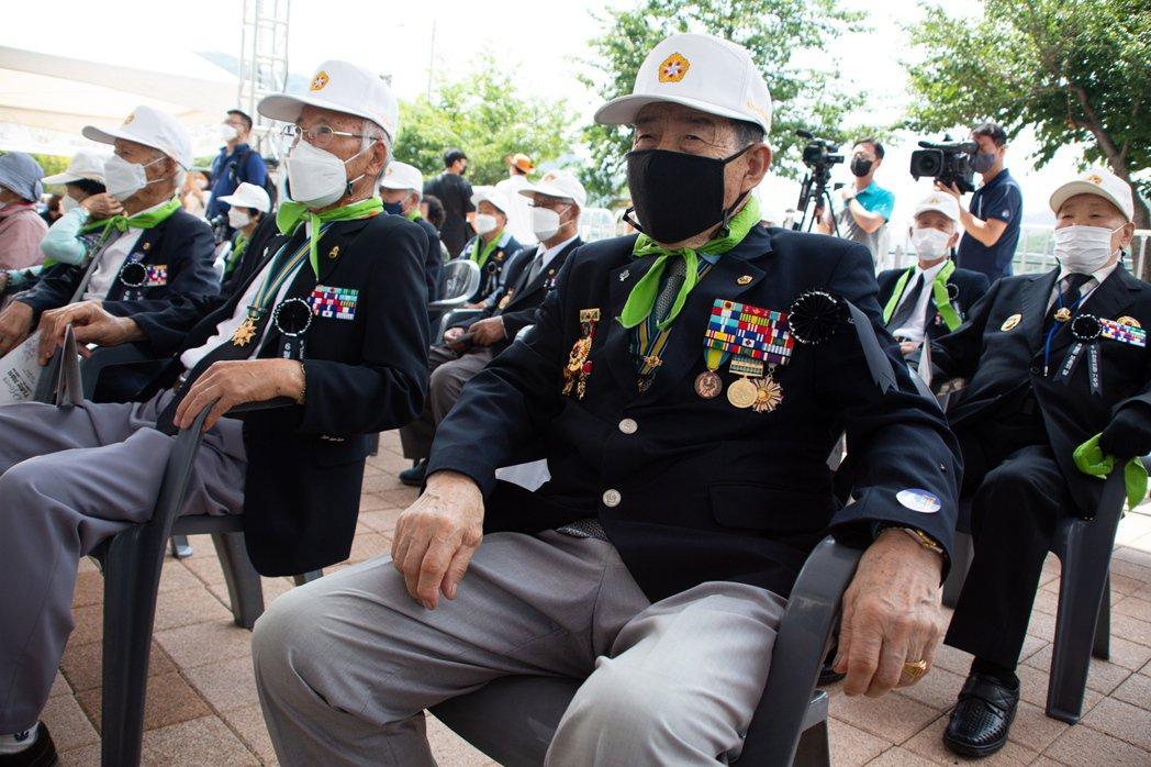 南韓25日在江原道非軍事武裝區(DMZ)附近舉行韓戰71周年紀念儀式。歐新社