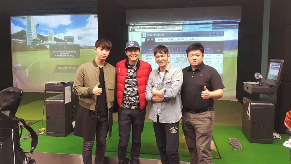 溫昇豪與李廷鎮,最左為男團2PM成員燦盛。 圖/擷自溫昇豪臉書