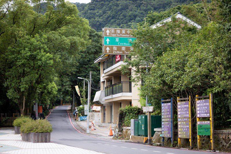 通往指南宮、茶推廣中心的路沒有車流,文山區顯得十分靜謐。記者沈昱嘉/攝影