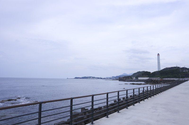 空蕩蕩的外木山濱海風景區難得一見。記者王聰賢/攝影