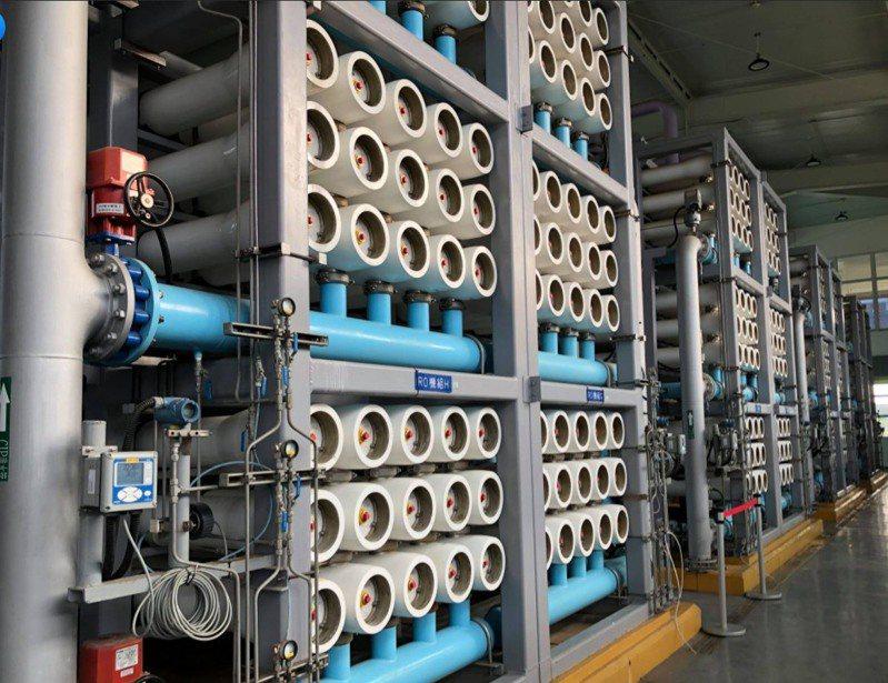 建構再生水廠是在既有汙水廠區內,新建置再生水設施設備及輸出供水管。圖/林欽榮提供