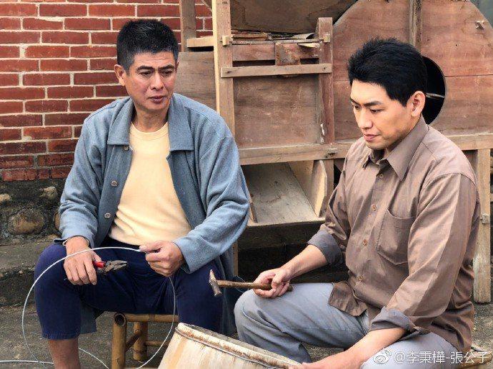 李秉樺(左)演過不少鄉土劇。圖/摘自微博