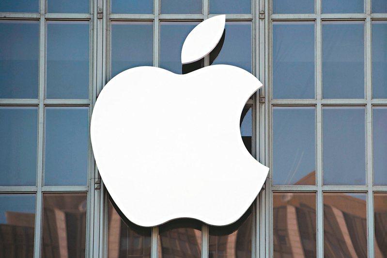 傳言蘋果將於2022年推出iPhone 14全新系列,不只提升螢幕更新率,外觀設計也將不同。圖/本報系資料庫