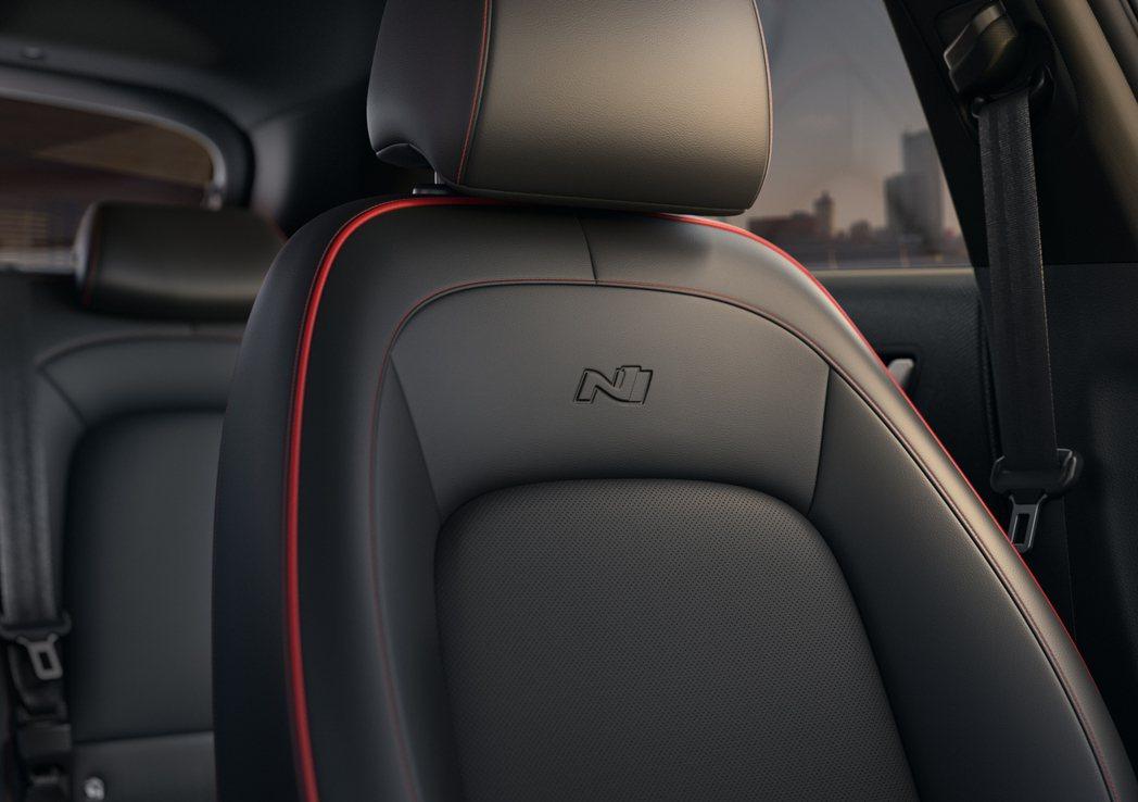 N Line專屬 Res stitch紅色車縫線。 圖/南陽實業提供