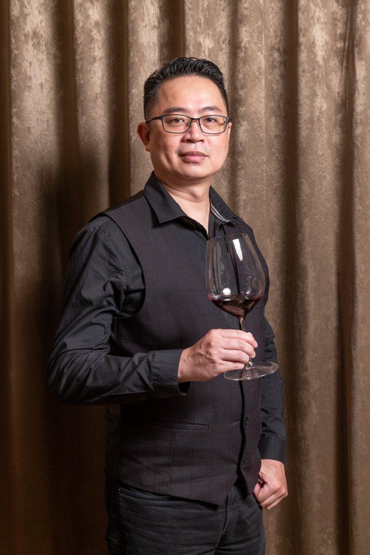 謝宗興是台灣酒研學院WSET認證講師。記者沈昱嘉/攝影。提醒您:禁止酒駕 飲酒過...