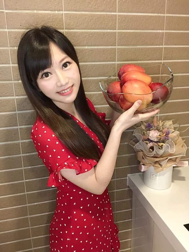 蔡尚樺剛學會用芒果入菜。圖/摘自臉書