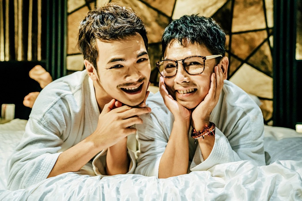 郭蘅祈(右)、蘇達演出新作「親親壞姊妹」。圖/GagaOOLala提供