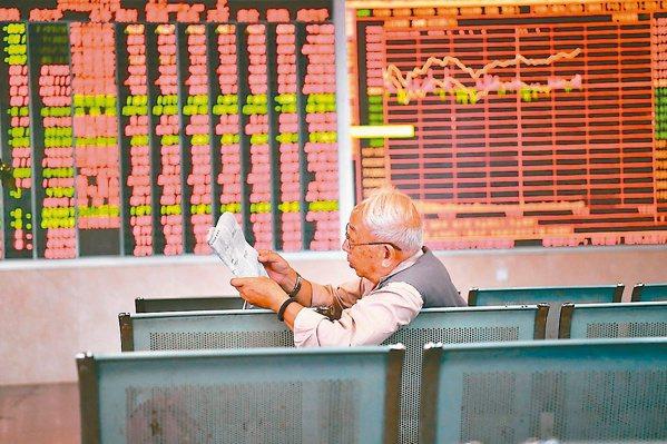 美國聯準會可能提早退場,外資上周在亞股賣多於買,只買超中國大陸32.4億美元及印...
