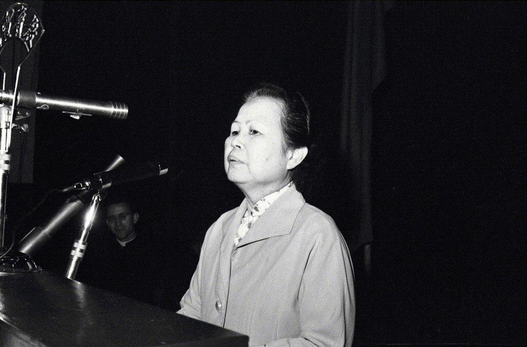1964年4月23日,莎土比亞四百週年紀念大會於南海路藝術館舉行,由李曼瑰擔任大會主席。 圖/聯合報系資料照