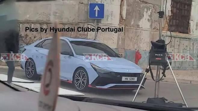 全新Hyundai Elantra N性能房車無偽裝實車曝光! 摘自Korean...