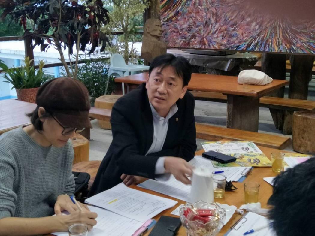 黃俊仁希望透過澎湖專屬電商平台的建置,能有效幫助在地的微小型品牌業者,提高企業在...