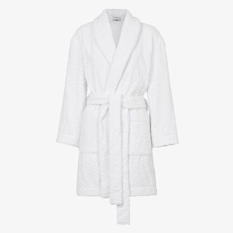FENDI Vertigo系列白色棉質浴袍,30,500元。圖/FENDI提供