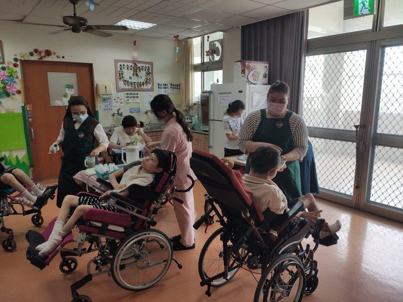 聖心教養院疫情期間持續提供良好的照顧服務。圖/聖心教養院提供