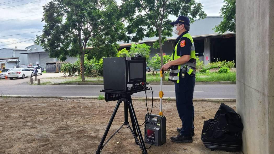 台中市警局交通大隊在疫情期間規劃取締超速專案,21日至27共取締超過1萬件的超速...