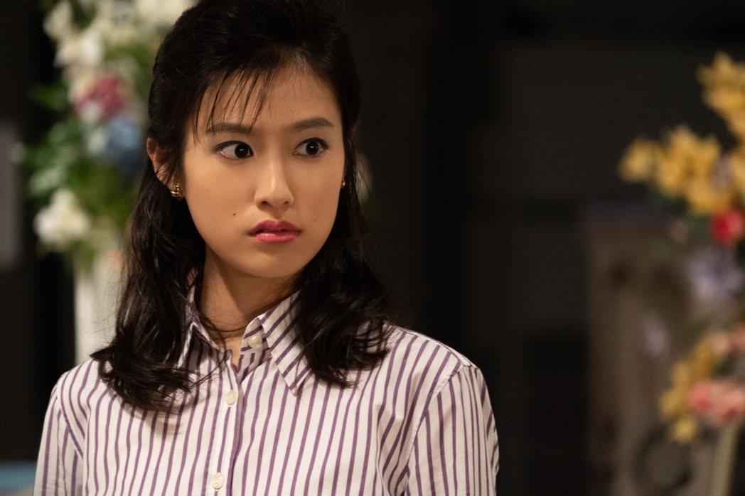 恒松祐里挑戰演出傳奇AV女優乃木真梨子。圖/Netflix提供