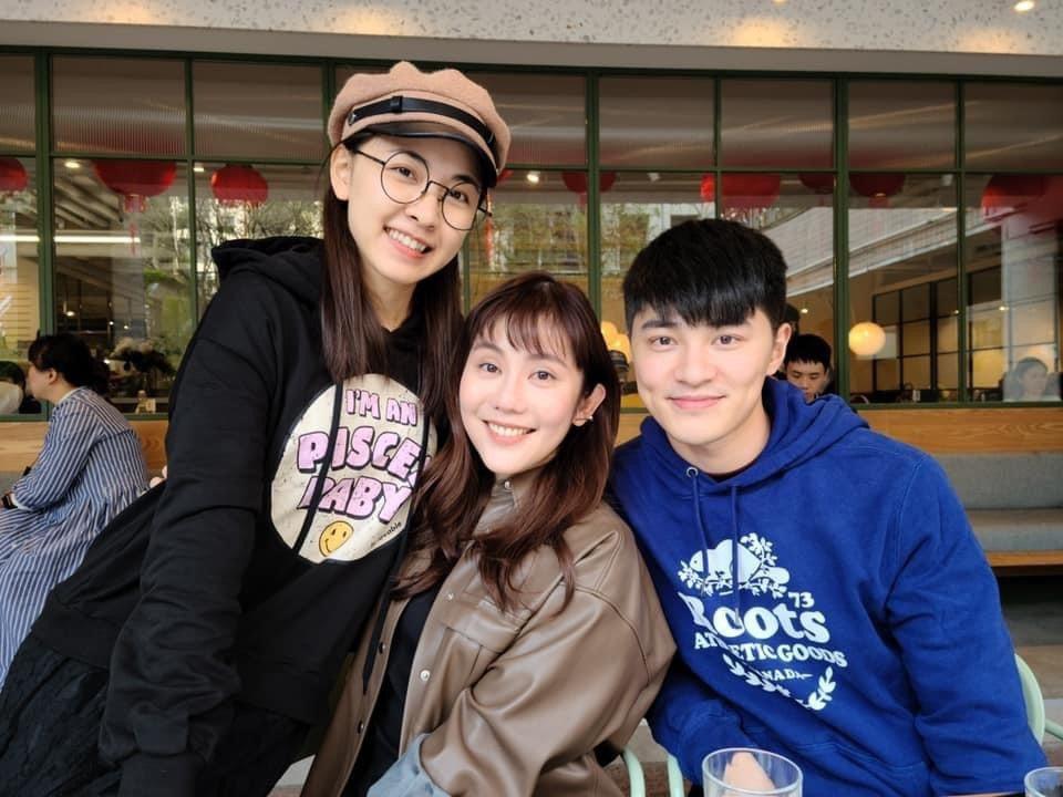 余宥樂(右起)號召好友王宇婕、林玟誼做公益。圖/星浪娛樂提供