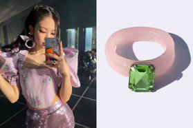 Jennie、BTS都在戴!韓國yOungly yOungley塑膠戒指太可愛 價格超親民不到千元即可入手