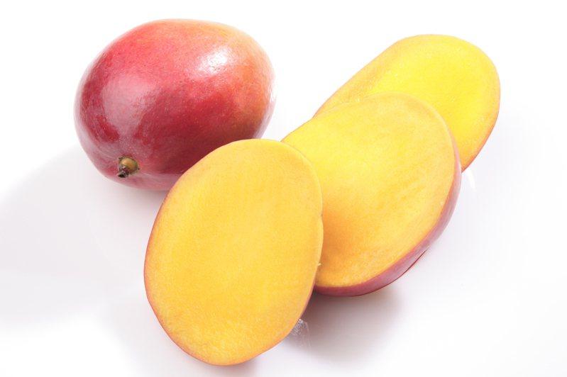 一名網友分享自己切芒果的方式,獨特且精湛的刀工引發討論。 示意圖/ingimage