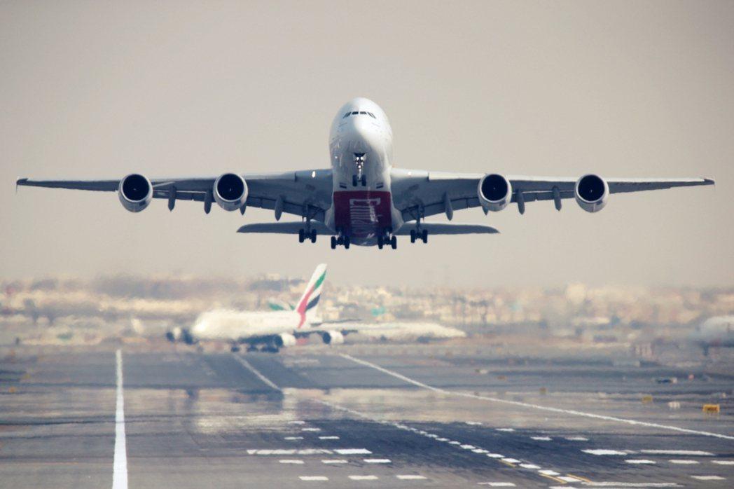 2021年6月15日,美國總統拜登與歐盟領袖終於對纏訟17年的「客機報復性關稅」...