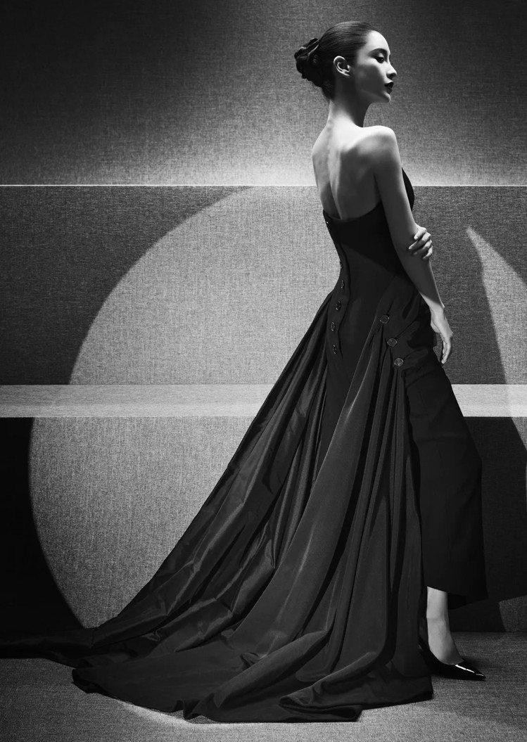 Angelababy詮釋1949年秋冬高級訂製服的Frac造型,展現女性的高雅與...