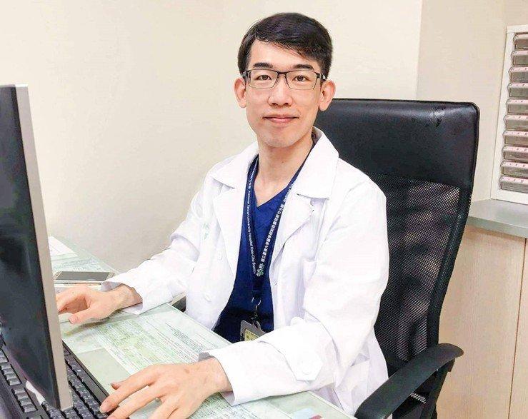 醫師林孟廷表示,戴口罩並不會影響一般健康成人的運動表現。圖/新竹台大分院提供