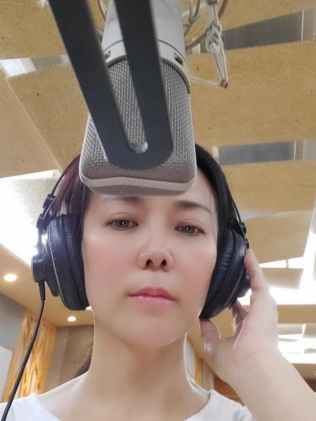 陳仙梅為戲進錄音室。圖/摘自臉書