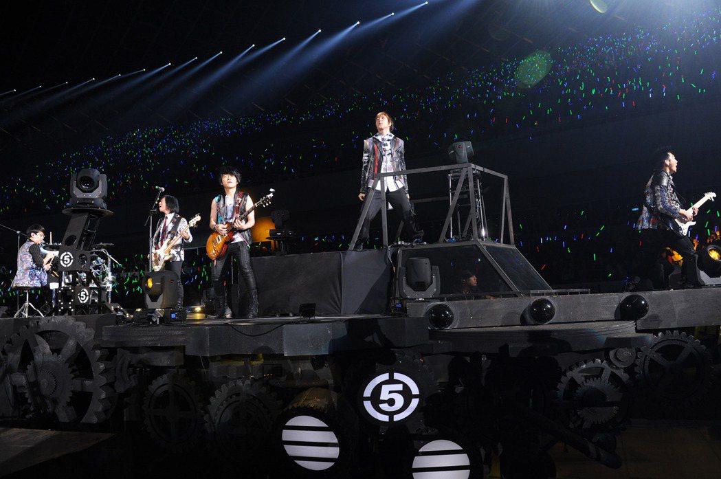 「諾亞方舟」巡演是五月天的第9次大型巡演,總成本耗資2億。圖/相信音樂提供