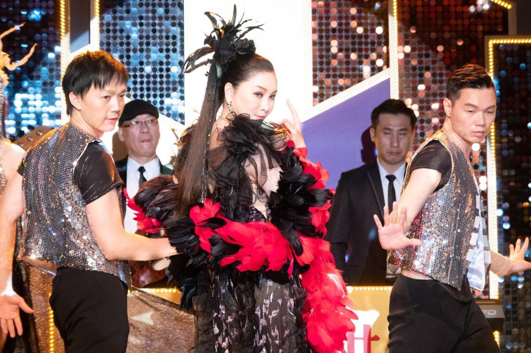 張瓊姿客串「黃金歲月」本色演出。圖/民視提供