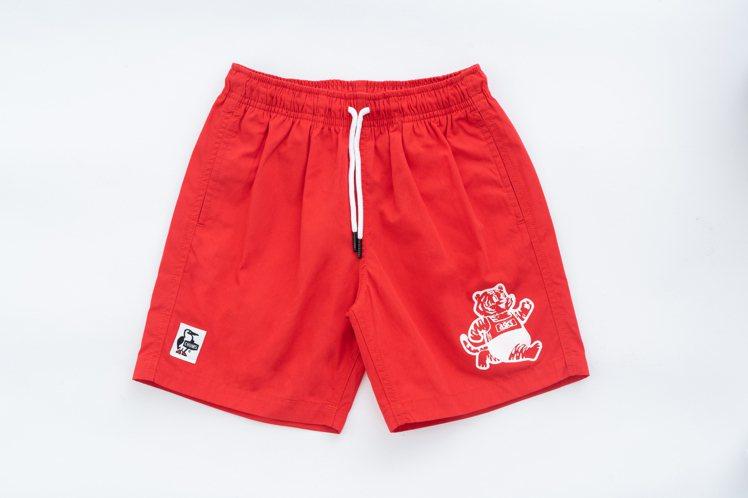 ASICS與CHUMS聯名系列短褲1,290元。圖/ASICS提供