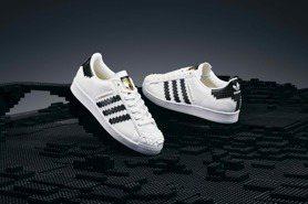 這雙LEGO聯名Superstar潮鞋真的可以穿!adidas Originals精準重現經典積木元素