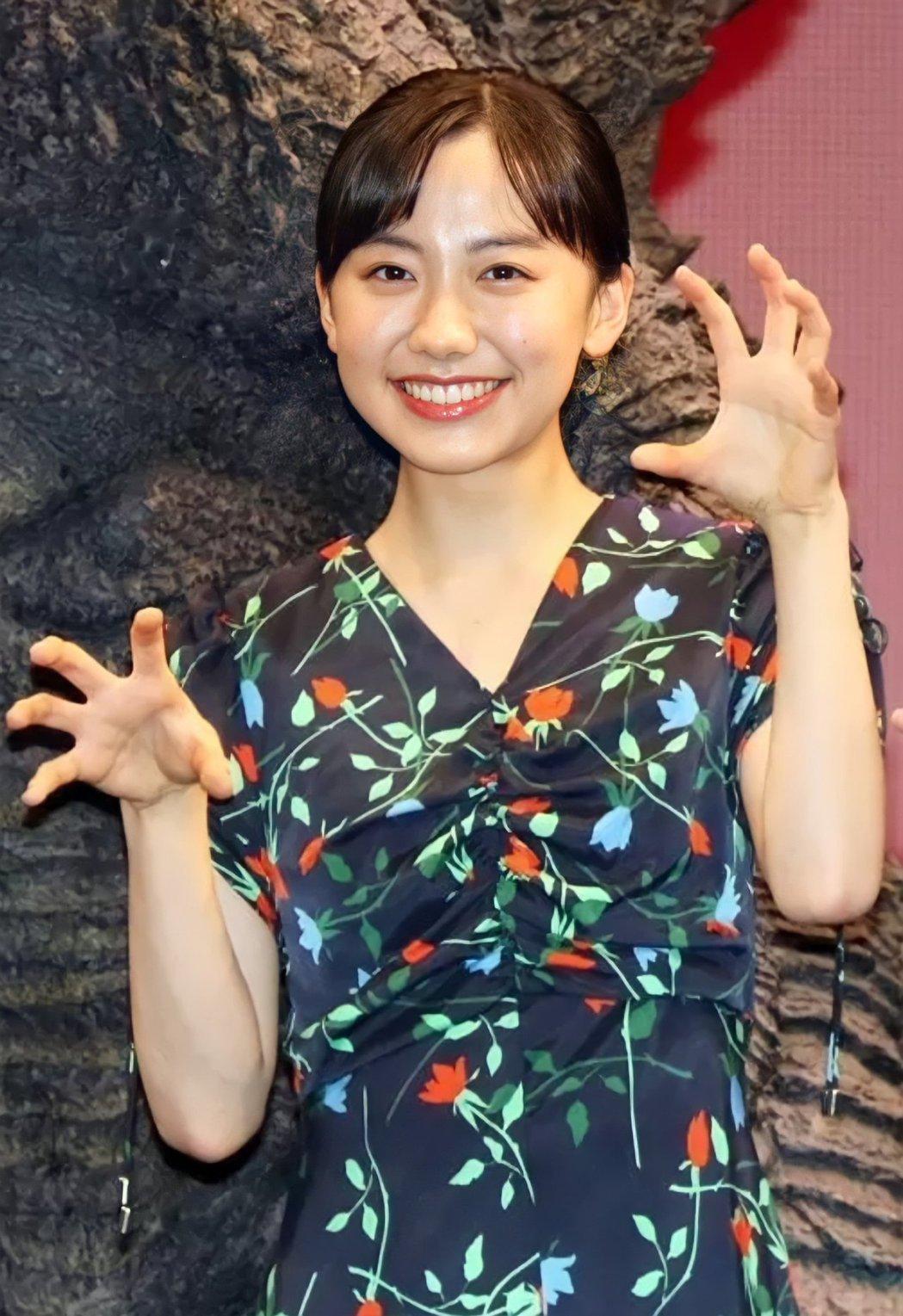 17歲的蘆田愛菜出席電影宣傳活動。 圖/擷自推特