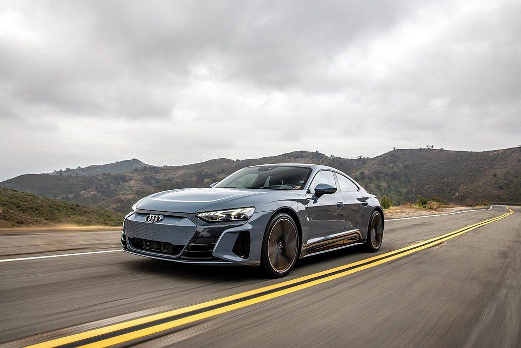 Audi e-tron GT車型最大動能輸出亦可達476/530PS(boost...