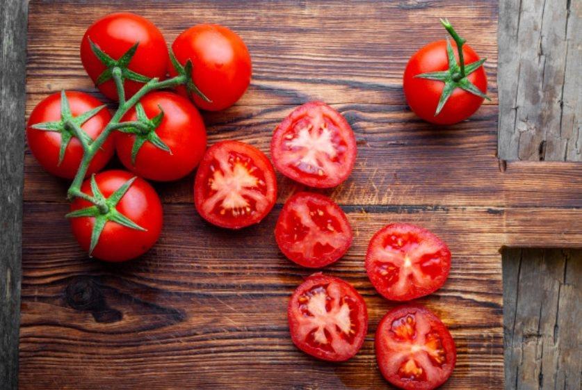 夏天不妨多吃紅棗、紅鳳菜、胡蘿蔔、番茄、蘋果、西瓜等紅色食物,可以補心又滋陰。 ...