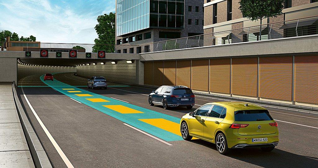 IQ.DRIVE智能駕駛輔助系統,主動安全輔助功能再進化,全新第八代福斯Golf...