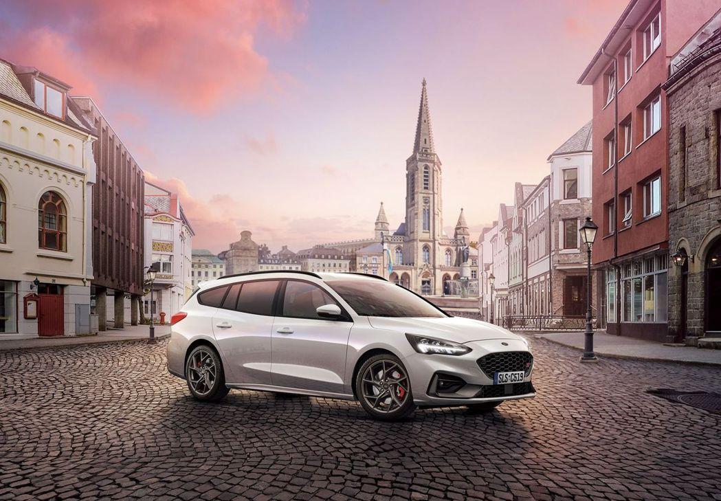 Focus ST Wagon–SLS Edition首批100台配額已完售,顯示...