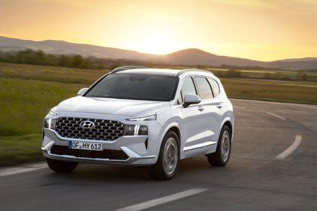 1.6升渦輪油電終於報到 小改款Hyundai Santa Fe雙動力車型售價144.9萬元起正式登場!