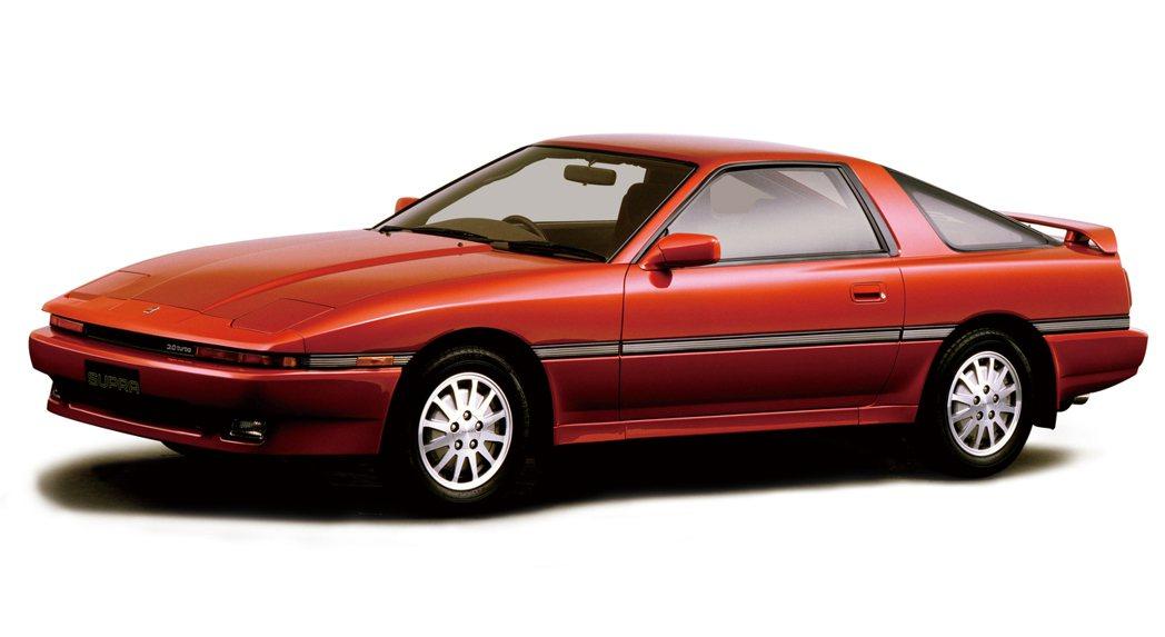 Toyota Supra A70。 摘自Toyota