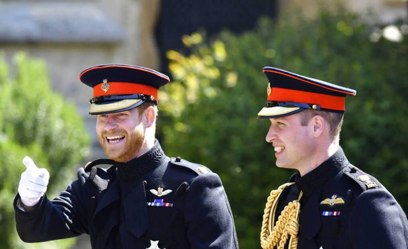 圖為2018年5月威廉王子(右)、哈利王子(左)出席公開活動的照片。AP