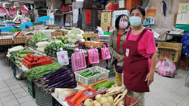 基隆今起為4大市場攤商打疫苗,成功、果菜、信義、仁愛。記者游明煌/攝影