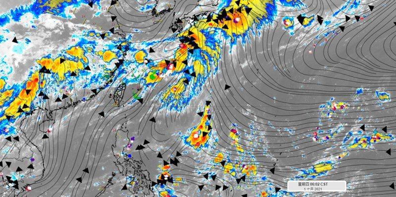 這幾天高壓還在西伸的過程,強度逐步在增強中,當高壓盤踞在台灣上空,降雨就只剩午後熱對流,這兩天可能較為零星,集中在靠山區附近,周末會增多一些,但預期也不是很全面性。圖/取自「氣象達人彭啟明」臉書粉專