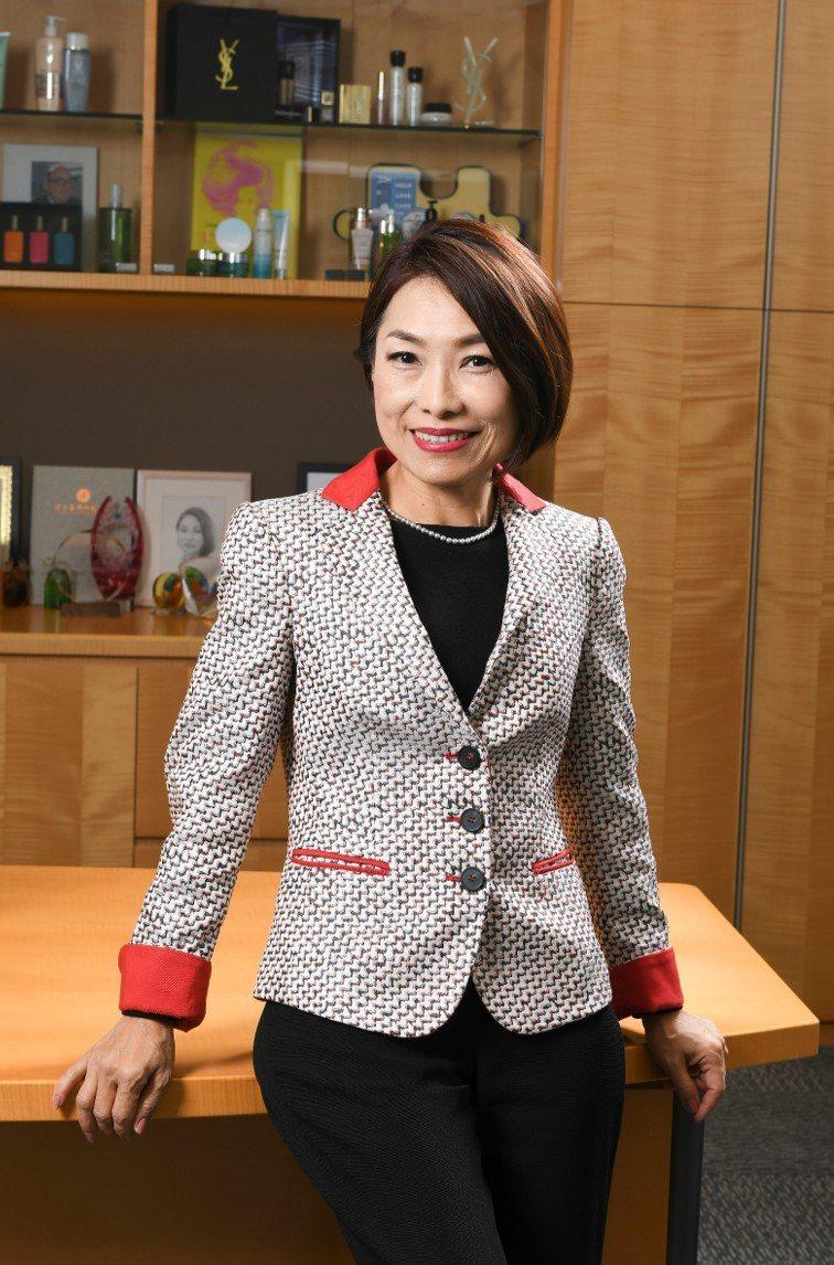 擔任台灣萊雅總裁近10年的陳敏慧,因個人生涯規劃已於6月底退休,陳敏慧是台灣萊雅首位本土總裁,也是萊雅集團亞太區第一位女性總裁。圖/台灣萊雅提供
