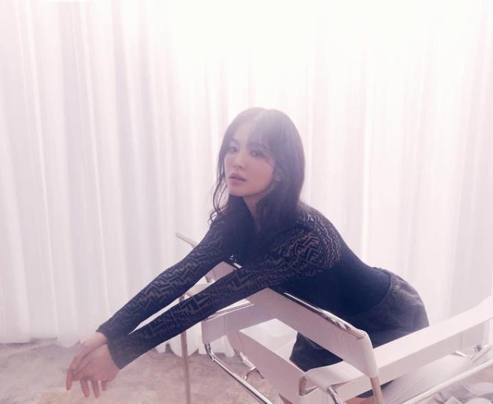 宋慧喬的最新美照。圖/摘自IG